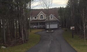 Great Family Home on Voyageur Lake!!!! Dont Miss Out!!