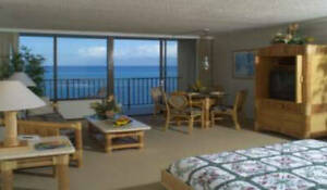 Maui Hawaii Ocean/Beach Front Studio Condo for Weekly Rent