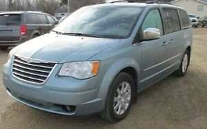 2010 Chrysler Town & Country NAVIGATION, LOADED, LETHER