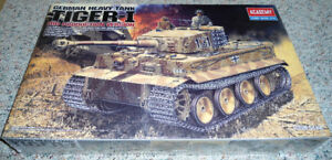 Academy 1/35 German Tiger I Mid Production w/ INTERIOR