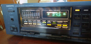 Onkyo stereo quartz synthesized tuner amplifier $125