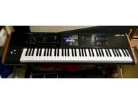 Korg Kronos2, 73 key, as new, hardly used with heavy duty K&M 18810 Omega table-style keyboard stand