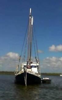 EL AMIGO - live aboard restorers delight