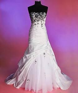 Robe de mariée neuve taille 6 ans