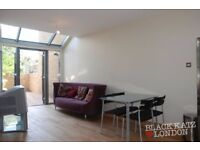 (N5) (Newington Green) Stunning 2 Bedroom Glasshouse (Garden)(3 Levels)(Brand New)