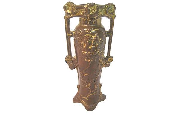 Art Nouveau Antiques Buying Guide
