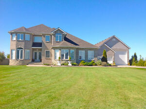 Private Exchange Presents This Immaculate Move-In Ready Home