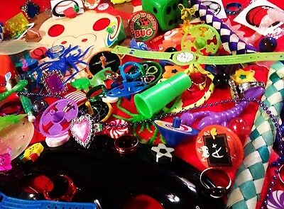 Lot of 500 Nice Novelty Birthday Party Favor Kids TRINKETS Child Birthday Reward