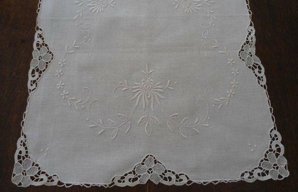 Vintage Linen Needle Lace Table Runner Ivory Embroidery 34""