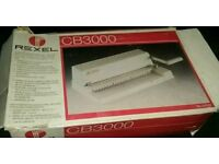 REXEL COMB BINDER CB3000 & SPARE COMBS, NEW IN BOX