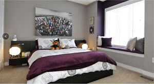 STUNNING MODERN ESPRESSO WOOD QUEEN BED & 2 BEDSIDE TABLES