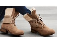 Ugg Australia Ladies Boots ,UGG boots, Genuine Gradin boots ,UK Size 5.5 ,women boots,winter boots