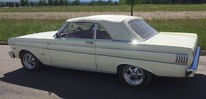 GORGEOUS FORD FALCON FUTURA CONVERTIBLE!  EXCELLENT IN AND OUT!
