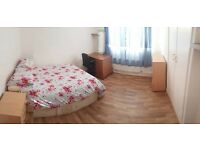 SPACIOUS Double Room Opposite SHOREDITCH PARK - 10 Mins From OLD STREET!