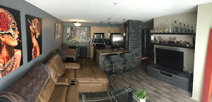 STUNNING 1 BEDROOM CONDO! $1180/monthly