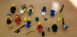 10 Complete Lego Minifigures + accessories (LISTING 7 OF 7)