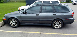 2003 Volvo V40 Wagon + New Winter Tires