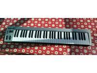 MasterKey 61 MIDI Keyboard - Silver