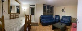 3 bedroom flat in Hounslow, TW3
