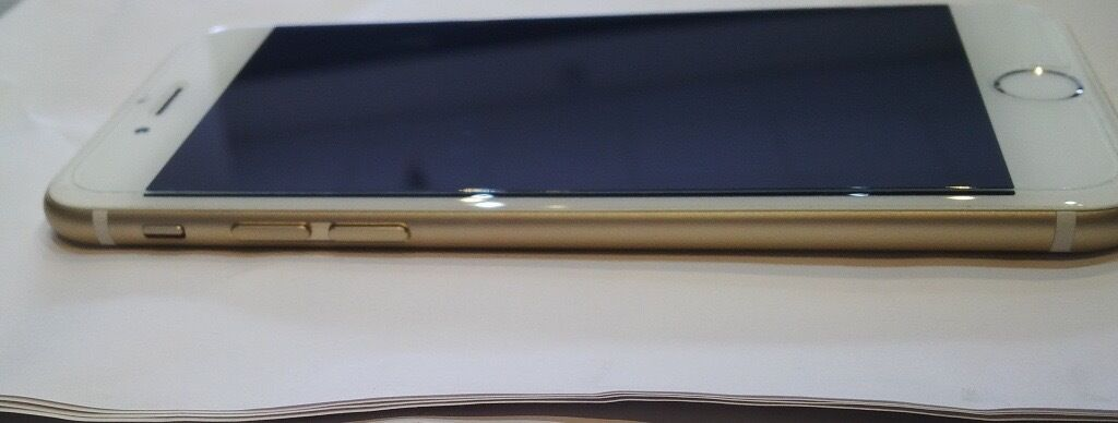 Iphone 6 64 GB Gold almost scratchless