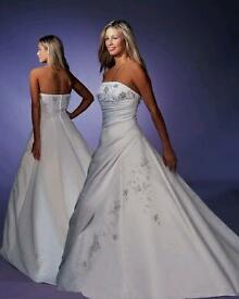 Wedding dress for sale size 10-12