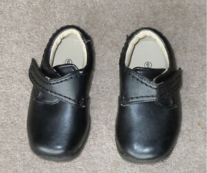 Toddler's dress shoes, size 5-6