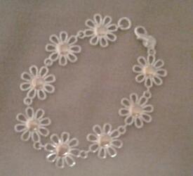 Very Cute Silver Flower Bracelet
