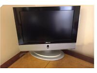 "Dmtech 17"" TV with integrated DVD player"