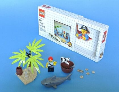 LEGO® Classic Pirates Set, 5003082 City North Canberra Preview