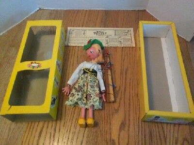 (3183) Marlborough Wilts  Made In England Hand Made Puppet