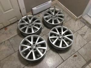 Mags d'origine Volkswagen 16 POUCES très propres pas cher  !!!