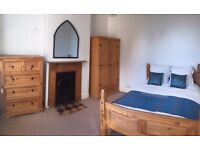 Fantastic double room in professional house share