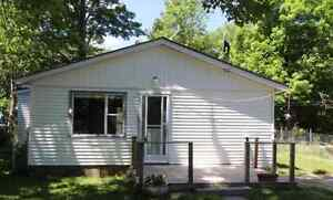 3 Bedroom Country Home for Rent with a Garage.
