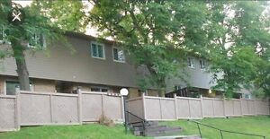 3 bdrm townhouse available now