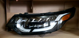 2018 land rover discovery driver side headlight