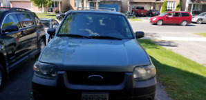 2006 Ford escape with navigation backup camra  Netflix and more