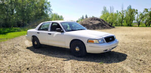 2011 Ford Crown Victoria - Low Mileage!