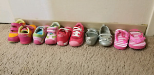 Baby girl size 4 shoes ( lot)