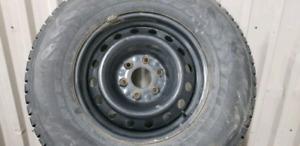 4 pneus Hiver 265/70R17  Nokian tyres  Nordman