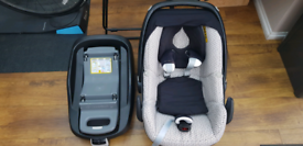 Maxi Cosi Pebble Car Seats x 2 with Family Fix Bases and extras