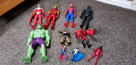 Bundle of action figures