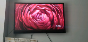 42 tv with wall mount and ps3