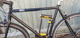 Goku london road bike with lock and car carrier
