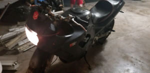 95 Suzuki GSX 750
