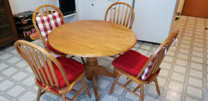 Apartment Size Kitchen Table and 4 chairs