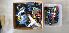 15 kg of genuine Lego with figures modern parts
