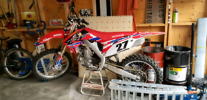 2011 crf450r Like New, 10 hours.