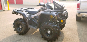 2012 Can-Am Outlander 1000 XT special edition - low low KM