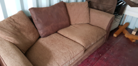 Large 2-seater sofa great condition super comfy delivery available