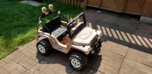 Kid car Jeep (with battery and charger)
